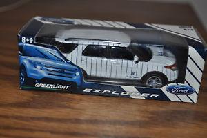 【送料無料】模型車 モデルカー スポーツカー フォードエクスプローラニューヨークヤンキーズny yankees ford explorer sga greenlight