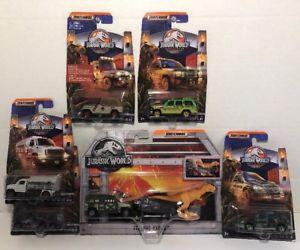 【送料無料】模型車 モデルカー スポーツカー ワールドマッチジュラシックパークレガシージープエクスプローラホーラロットsold out matchbox jurassic world park legacy jeep explorer tyranno hauler lot