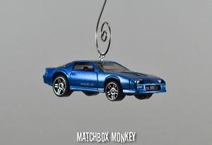【送料無料】模型車 モデルカー スポーツカー カスタムシボレーカマロクリスマススケールアドルノシボレcustom 1985 camaro iroc z chevy christmas ornament 164th scale adorno chevrolet