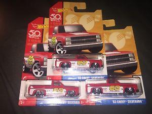 【送料無料】模型車 モデルカー スポーツカー ホットホイールシボレーシルベラードトラックターゲットロット