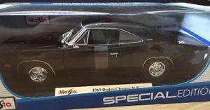 【送料無料】模型車 モデルカー スポーツカー 118 maisto dodge charger rt
