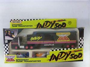 【送料無料】模型車 モデルカー スポーツカー マッチインディスピードウェイチームトランスポーターmatchbox indy 500 speedway team transporter