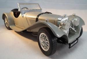 【送料無料】模型車 モデルカー スポーツカー ジャガーカブリオレスケールモデルカーjaguar ss 100 cabriolet 1937 im mastab 118 oldtimer modellauto von burago