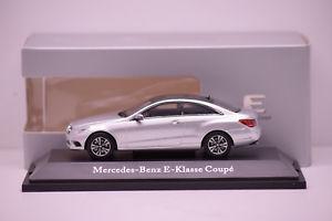 【送料無料】模型車 モデルカー スポーツカー メルセデスクラッセクーペイリジウムシルバーメタリックヌフmercedes classe e coup iridium silver metallic kyosho 143 neuf boite