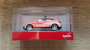 【送料無料】模型車 モデルカー スポーツカー アウディコマンドherpa 092975 187 audi q5 kommandowagen feuerwehr ransbachbaumbach neu