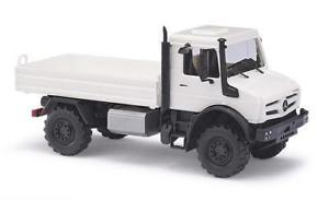 【送料無料】模型車 モデルカー スポーツカー ブッシュプラットフォームホワイトbusch mb unimog u5023pritsche wei 51001