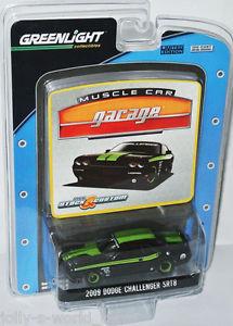 【送料無料】模型車 モデルカー スポーツカー ダッジチャレンジャーブラックグリーン
