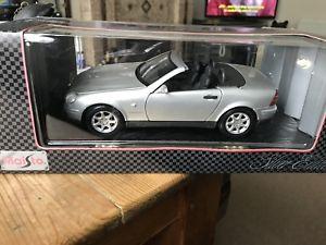 【送料無料】模型車 モデルカー スポーツカー メルセデスmaisto 118 mercedes slk 230 1996
