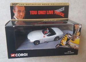 【送料無料】模型車 モデルカー スポーツカー ジェームズボンドトヨタボックスjames bond 007 corgi toyota 2000 gt boxed