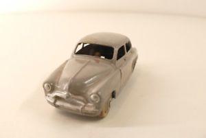 【送料無料】模型車 モデルカー スポーツカー dinky toys f 24 u simca aronde