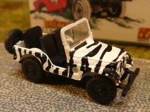 【送料無料】模型車 モデルカー スポーツカー ジープユニバーサルサファリ187 brekina jeep universal safari 58903