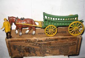 【送料無料】模型車 モデルカー スポーツカー charbens chariot agricole avec fermier