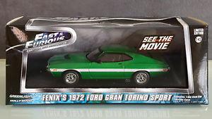 【送料無料】模型車 モデルカー スポーツカー ライトフォードグラントリノスポーツハリウッドgreenlight 2015 hollywood 1972 ford fenix s gran torino sport grn vitrinenbox
