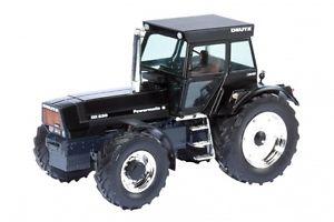 【送料無料】模型車 モデルカー スポーツカー トターモデルドアdeutz dx 230 trattore tractor 132 model 7686 schuco
