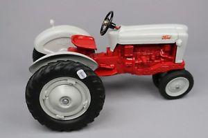 【送料無料】模型車 モデルカー スポーツカー パーツマートスケールモデルトターフォードミニチュアzc2827 parts mart 116 tracteur miniature ford 900 1990 scale models toy tractor