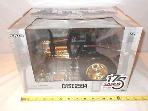 【送料無料】模型車 モデルカー スポーツカー デュアルケースcase 2594 with duals 175th anniversary gold edition by ertl