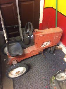 【送料無料】模型車 モデルカー スポーツカー ペダルファームモデルアメリカントターallis chalmers pedal toy farm tractor the ertl company model a64 american
