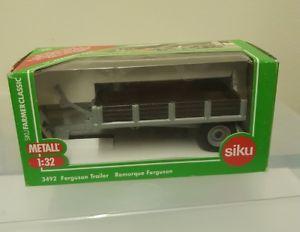 【送料無料】模型車 モデルカー スポーツカー ダイカストsiku 132 diecast ferguson trailer 3492