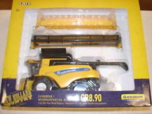 【送料無料】模型車 モデルカー スポーツカー ボックスファームヘッドファイルスケールニューホーランドertl farm toy in box holland 132 scale combine cr890 with head attachment
