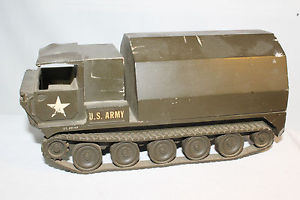 【送料無料】模型車 モデルカー スポーツカー アーキテクチャモデルモデルキャリア1950s architectural model associates us army troop carrier on treads model