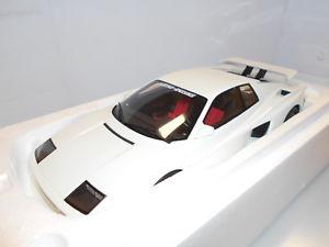 【送料無料】模型車 モデルカー スポーツカー フェラーリバイターボgtkj012 by gt spirit ferrari testarossa koenig biturbo 118
