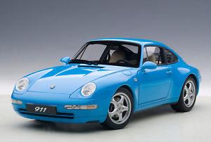 【送料無料】模型車 モデルカー スポーツカー ポルシェカレラautoart 78133 porsche 911 993 carrera 1995 118 neu ovp