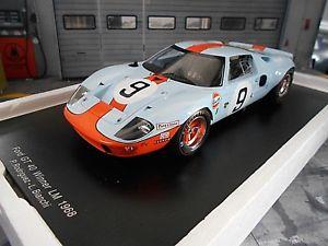 【送料無料】模型車 モデルカー スポーツカー フォードグアテマラルマン#ビアンキロドリゲススパークford gt40 gt 40 v8 le mans sieger win 1968 9 gulf bianchi rodriguez spark 118
