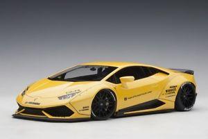 【送料無料】模型車 モデルカー スポーツカー リバティポンドランボルギーニメタリックイエローウォークautoart 79124 118 liberty walk lbworks lamborghini huracan metallic yellow