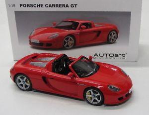 【送料無料】模型車 モデルカー スポーツカー ポルシェカレラporsche carrera gt 2002 rot autoart 118