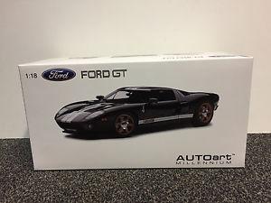 【送料無料】模型車 モデルカー スポーツカー フォードブラックホワイトストライプ
