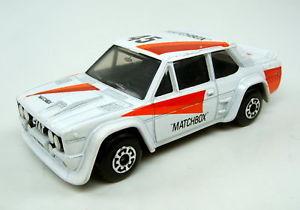 【送料無料】模型車 モデルカー スポーツカー マッチフィアットアバルトmatchbox sf nr74d fiat abarth wei rare schwarze einrichtung perfekt