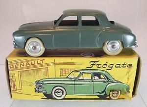 【送料無料】模型車 モデルカー スポーツカー ルノーボックスグレーグリーンcij 143 351 renault fregate graugrn mit box 5149