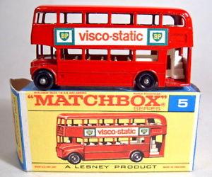 【送料無料】模型車 モデルカー スポーツカー マッチロンドンバスレッドボックススタティックmatchbox rw 05d london bus rot viscostatic in spter f box