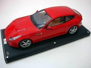 【送料無料】模型車 モデルカー スポーツカー フェラーリロッソコルサコレクショントップferrari ff gt v12 rosso corsa 2012 mr collection 118 fe04g **top **