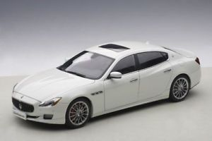 【送料無料】模型車 モデルカー スポーツカー マセラティマセラティクアトロポルテホワイトメタリックモデルカーmaserati quattroporte gts 2015 wei metallic, modellauto 118 autoart