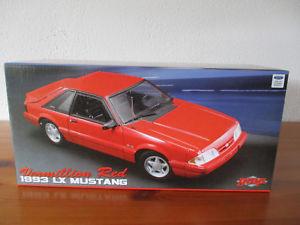 【送料無料】模型車 モデルカー スポーツカー フォードマスタング gor 118 gmp 1993 ford mustang lx 50 neu ovp