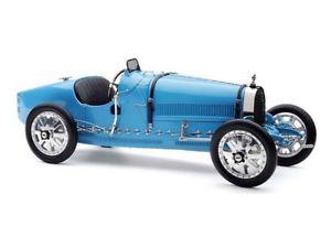 【送料無料】模型車 モデルカー スポーツカー ブガッティcmc bugatti t35 1924 blue 118 m063