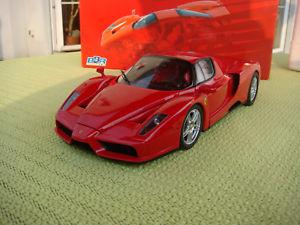 【送料無料】模型車 モデルカー スポーツカー フェラーリエンツォbbr ferrari enzo f70, 118 neuwertig,in top zustand