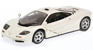 【送料無料】模型車 モデルカー スポーツカー マクラーレンmclaren f1 roadcar weiss 1994