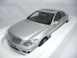 【送料無料】模型車 モデルカー スポーツカー メルセデスベンツシルバーミレニアムウルトラレアmercedesbenz s63 amg s 63 w221 silver 118 autoart millenium 76241 ultra rare