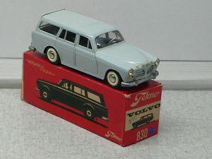 【送料無料】模型車 モデルカー スポーツカー #ボルボアマゾンボックスtekno 830 volvo amazon estate hellgaublau in box sehr seltene farbe