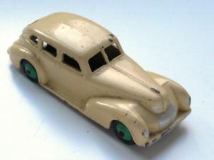 【送料無料】模型車 モデルカー スポーツカー クライスラーロイヤルセダンバージョンボックスdinky 39eu chrysler royal sedan sehr seltene version ohne box
