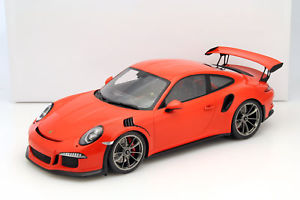 【送料無料】模型車 モデルカー スポーツカー ポルシェグアテマラショーケースオレンジスパークporsche 911 991 gt3 rs lava orange mit vitrine 112 spark