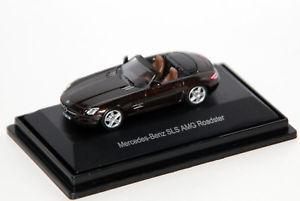 【送料無料】模型車 モデルカー スポーツカー メルセデスベンツロードスターブラウンname