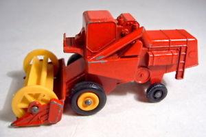 【送料無料】模型車 モデルカー スポーツカー マッチホイールハーベスターmatchbox 175 regular wheel 65c combine harvester mhdrescher
