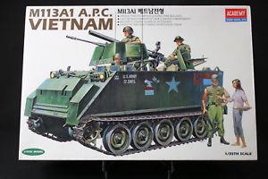 【送料無料】模型車 モデルカー スポーツカー アカデミーベトナムコンタイプacademy 135 carro armato m113a1 apc vietnam con 5 figure art 1389