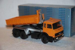 【送料無料】模型車 モデルカー スポーツカー コンラッドトラック150 conrad camion iveco 3 assi