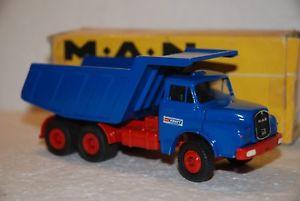 【送料無料】模型車 モデルカー スポーツカー コンラッド150 conrad camion man dumper 3 assi