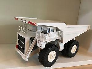 【送料無料】模型車 モデルカー スポーツカー ダンプトラックダンプトラックコンラッドliebherr kl 2450 muldenkipper von conrad 2724 150