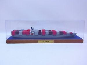 【送料無料】模型車 モデルカー スポーツカー 51225 modellbau conrad containerschiff vklasse 11250 schiffsmodell in display